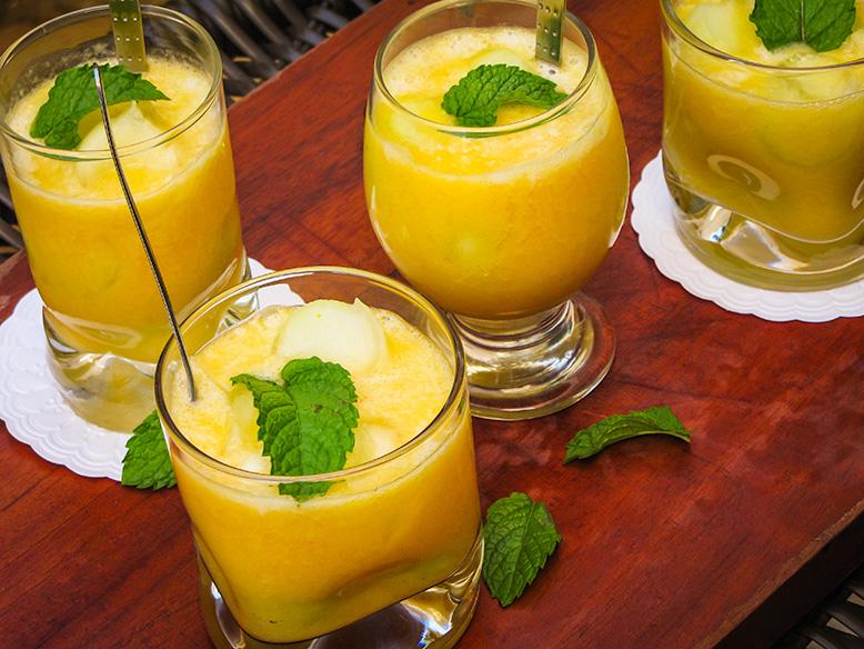 Sobremesa de melão e pêssego em calda
