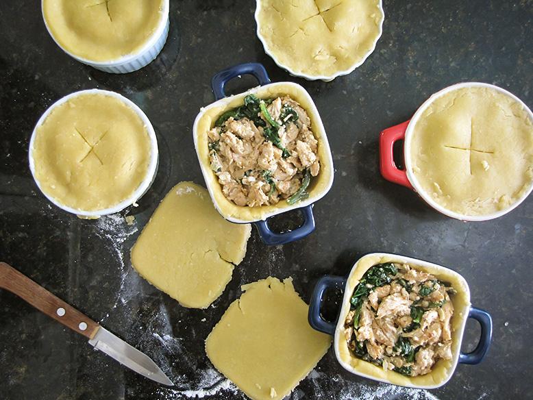 Tortinha de frango com cottage e espinafre