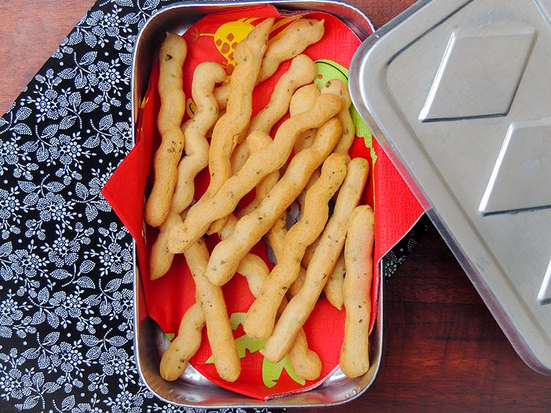 Receita de biscoito de polvilho para aperitivo com queijo e orégano