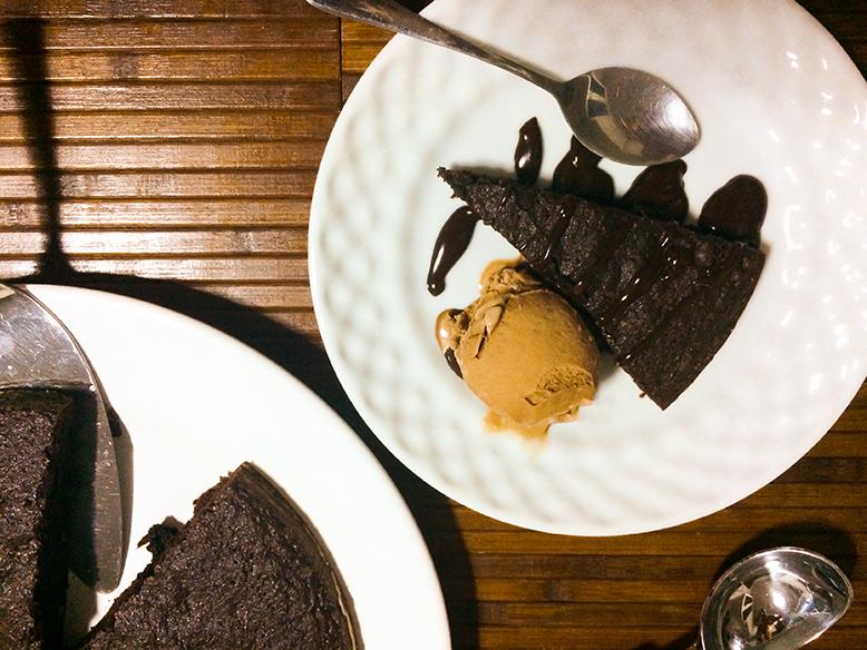 Receita de brownie de chocolate com nozes e passas