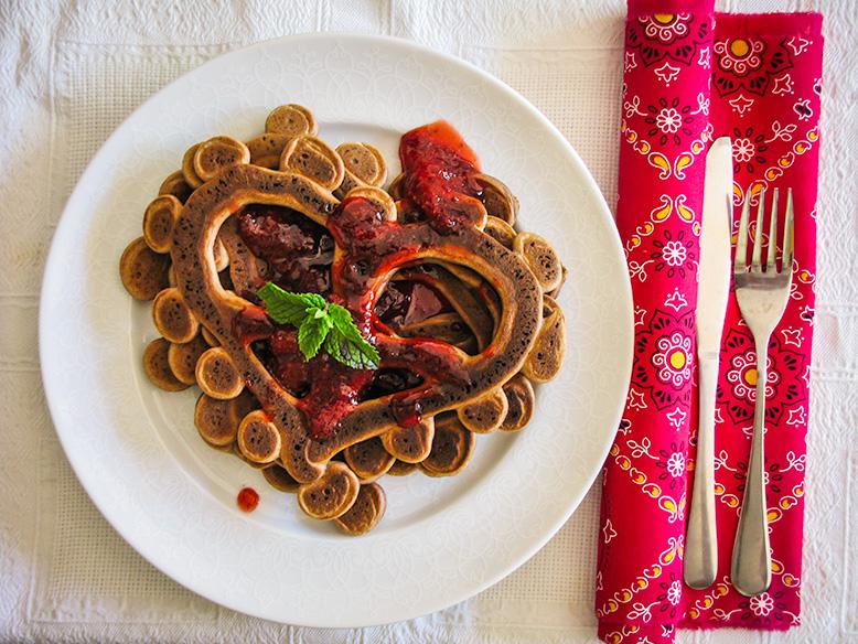 Panqueca de chocolate no formato coração