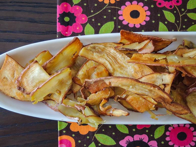 Chips de batata doce no forno
