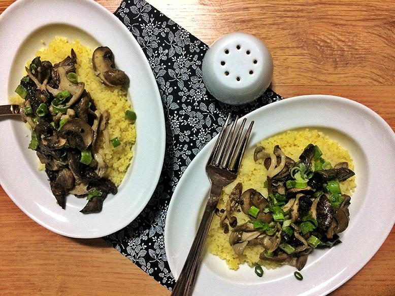 Cuscuz marroquino com cogumelos assados